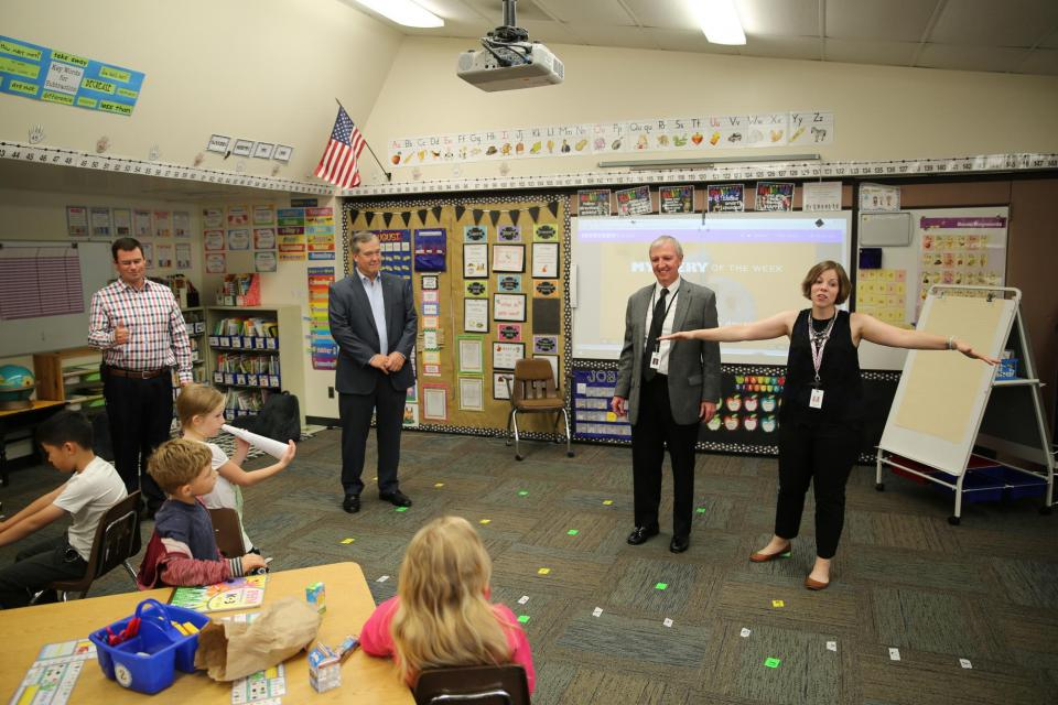 Principal Towner introduces P-H-M School Board Pres. Gary Fox & Supt. Dr. Thacker to Ms. Edgar's 1st grade class