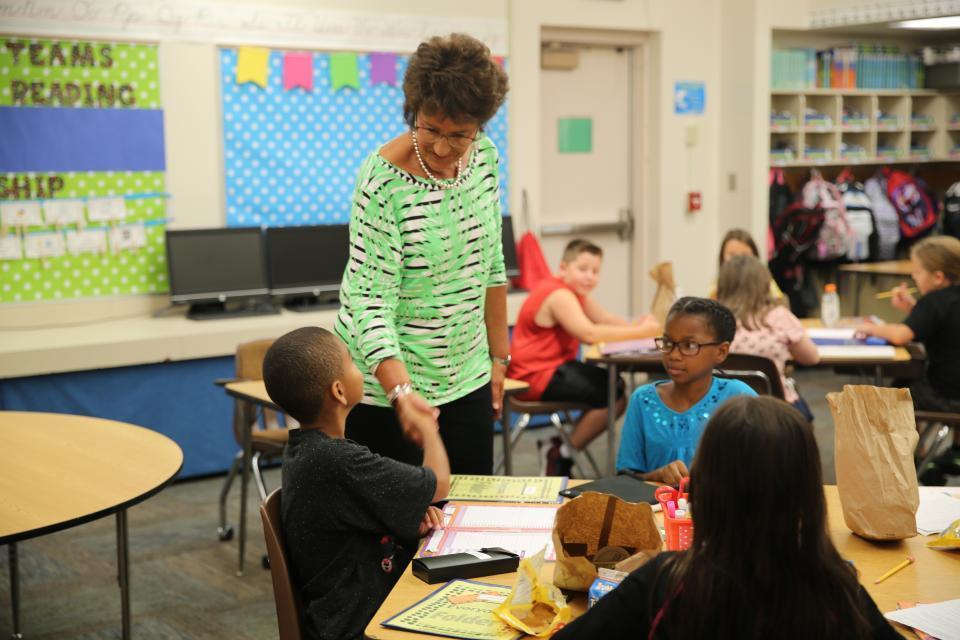 Congresswoman Walorski visits Walt Disney Elementary School