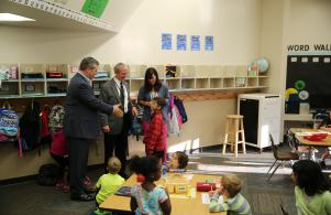 P-H-M Board Pres. Gary Fox & Supt. Dr. Jerry Thacker visit Ms. Choinacky's 1st grade class (8/25/17)
